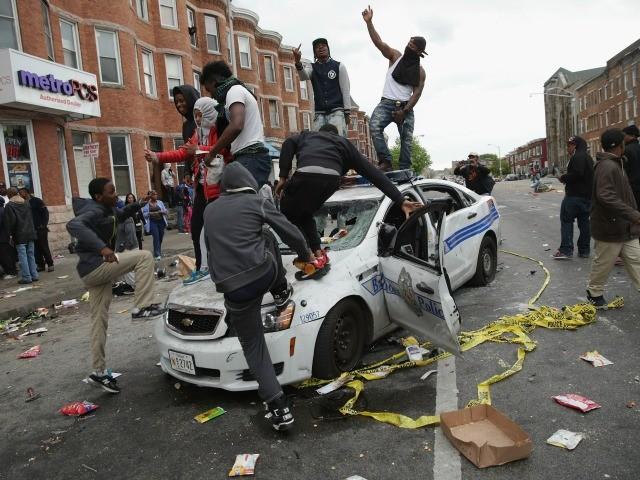 baltimore-riot-police-car